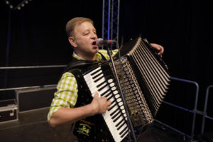 german-octoberfest-band-gaudiblosn accordion