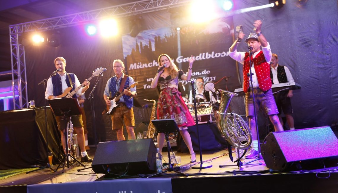 Shout Hochzeitsband Muhldorf Home Facebook