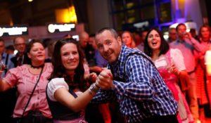 hannover oktoberfest oktoberfestband gaudiblosn stimmung tanz